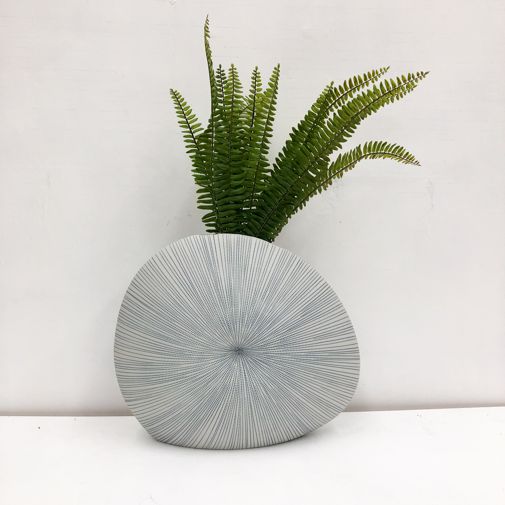 Diva Round S Handmade Vase - front view with plant