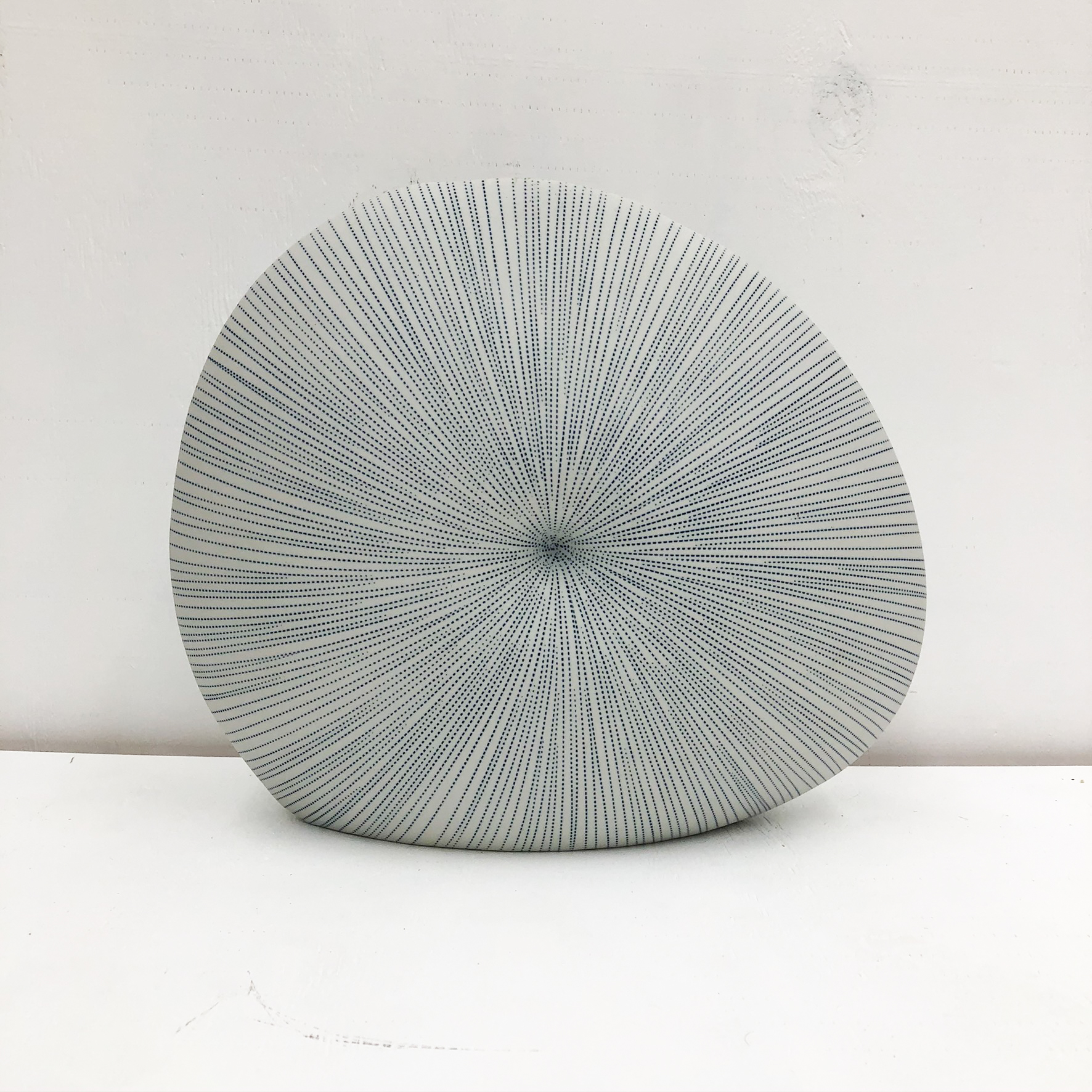 Diva Round S Handmade Vase - side view