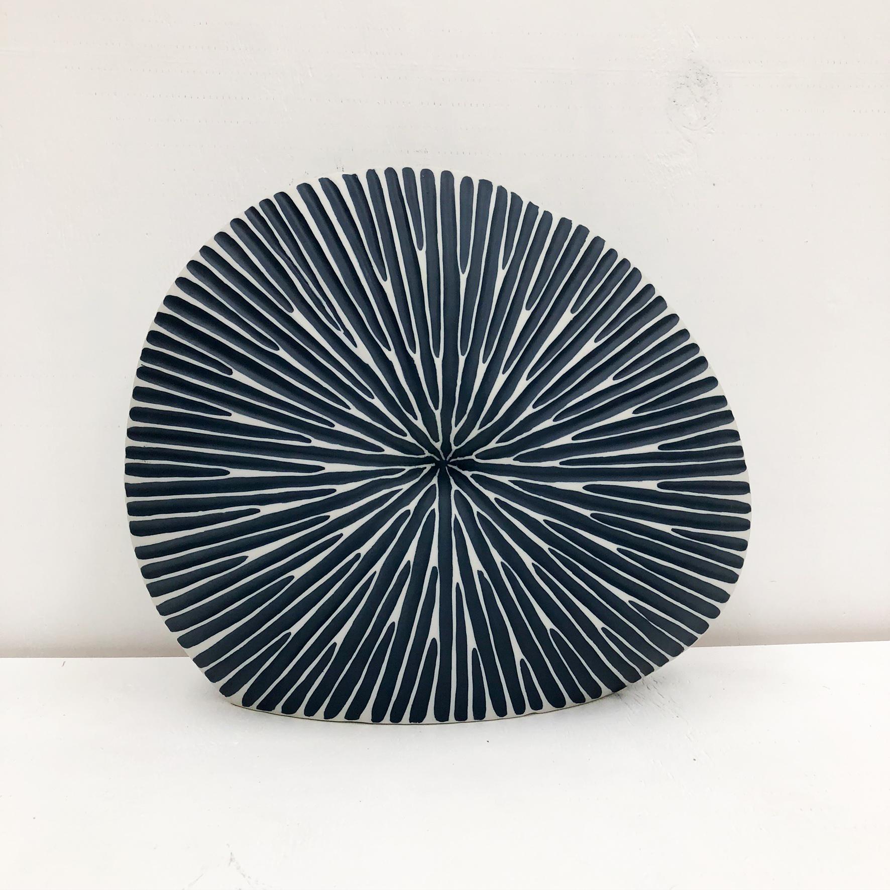 Diva Round Handmade Vase - Blue - front view
