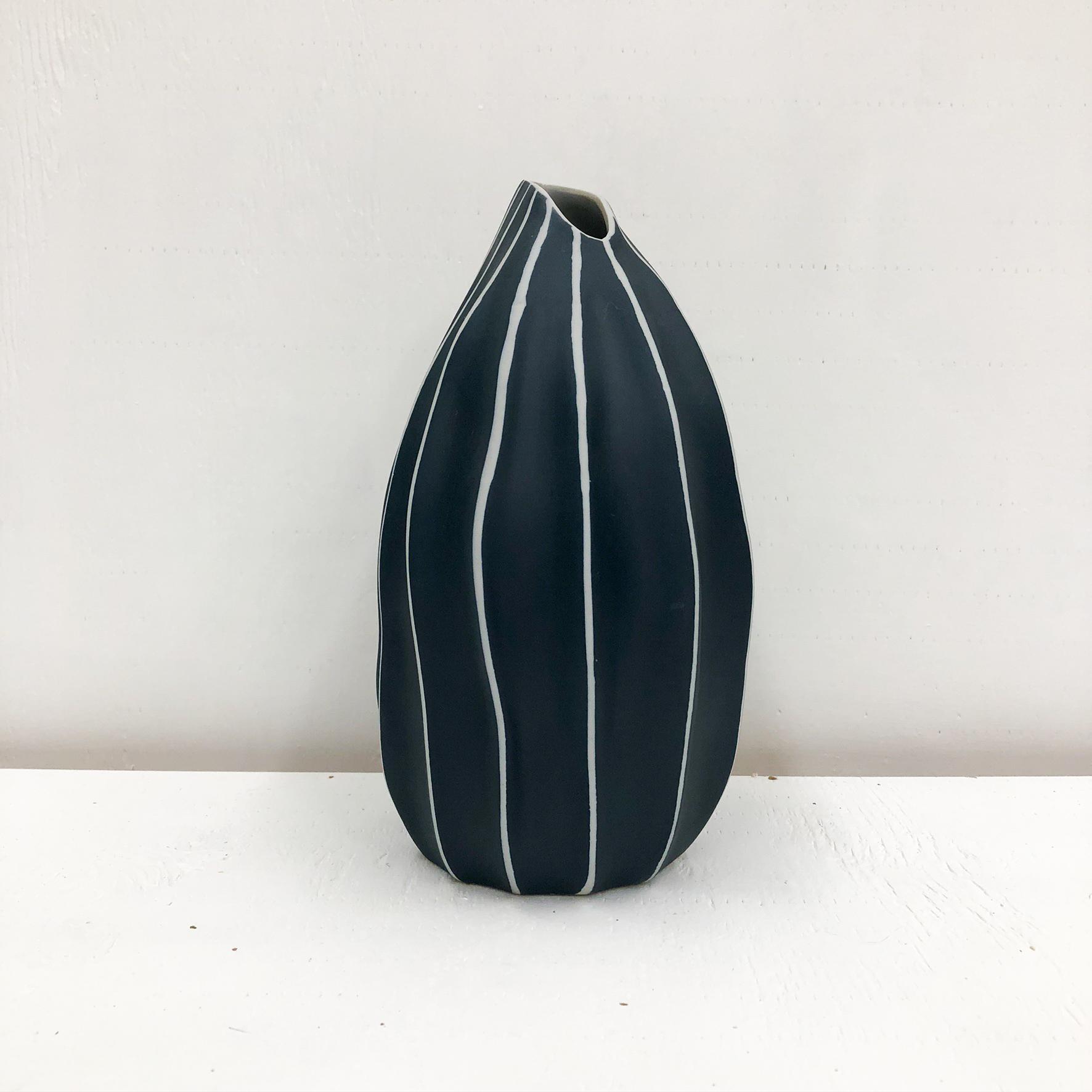 Seda S Handmade Vase -Navy - empty