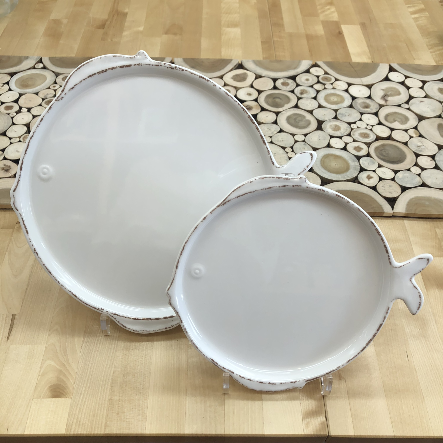photo of the Melamine dinner plate and salad plate