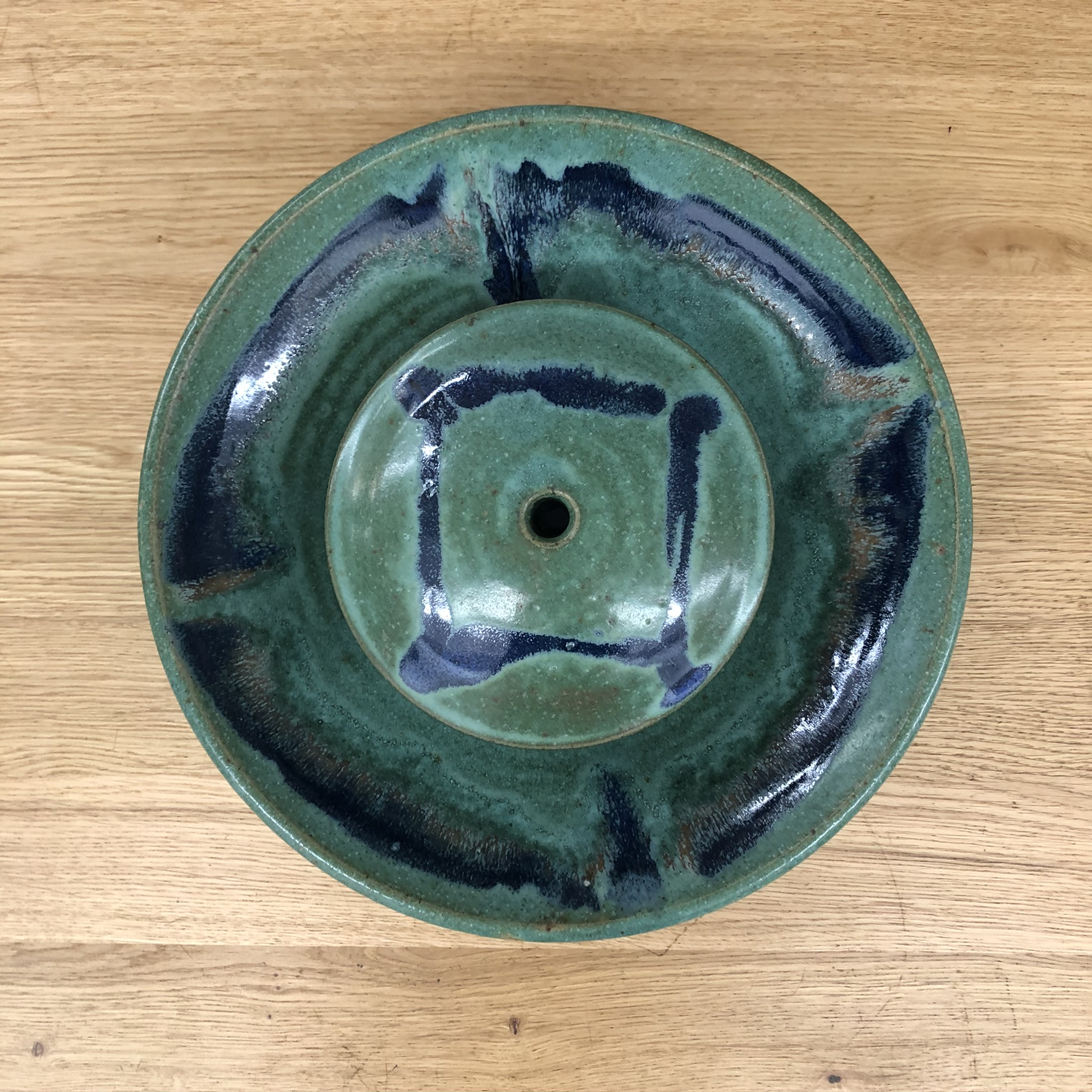 Ceramic tabletop fountain - top view - green